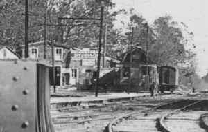 Express House-Huntington-View E-11-04-1921 (LIRR-Huneke).jpg (74179 bytes)