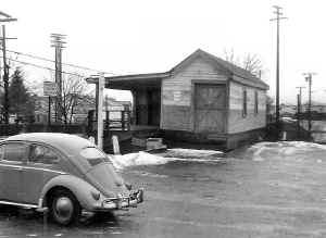 Express House-Huntington-View W- 12-1962 (Brad Phillips).jpg (88919 bytes)