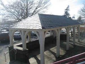 Huntington-Station-Shelter_4-13_viewSW_DaveMorrison.jpg (202605 bytes)