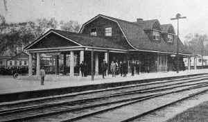 Huntington-Station_viewNE_c.1915.jpg (128989 bytes)