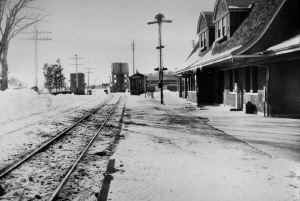 Station-Huntington-Snow-View W-c. 1928 (Keller).jpg (99249 bytes)