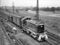 S2-455-Switching Freight-Whitestone Jct-Flushing Meadows-View SE-06-02-51 (Faxon-Keller).jpg (135908 bytes)