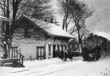 lirr32-westbound_St.James_3-1953_JohnKrauss.jpg (191092 bytes)