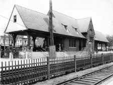 Great-Neck-Station_LIRR-photo_6-9-34.jpg (137616 bytes)