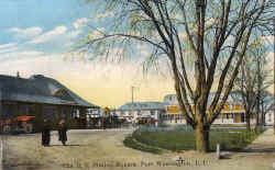 Port-Washington-Station-colorized_c.1905_viewW_DaveMorrison.jpg (131957 bytes)