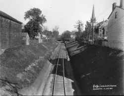 ROW-From E. Portal of Tunnel Towards Union St-Flushing - 10-25-1911 (LIRR Val-Keller).jpg (106517 bytes)
