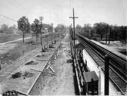 Station-Auburndale-Grade Elim-Temp Tracks-View E - 05-18-29 (LIRR Val-Keller).jpg (132847 bytes)