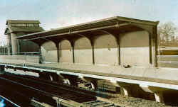 Station-Corona-Platform Shelter (View NW) - 12-1930 (LIRR Valuation- (Keller).jpg (89802 bytes)