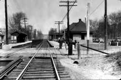 Station-Little Neck-View E - 04-26-32 (Keller).jpg (120122 bytes)