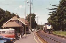 Stony-Brook-station_viewE_7-1986_JohnFusto.jpg (64907 bytes)
